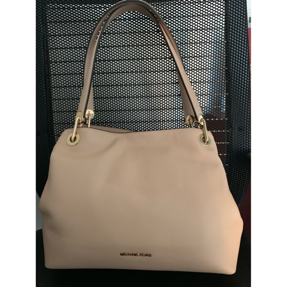 dba6fb7a0328 Michael Kors Bags | Raven Large Leather Shoulder Bag Nwt | Poshmark